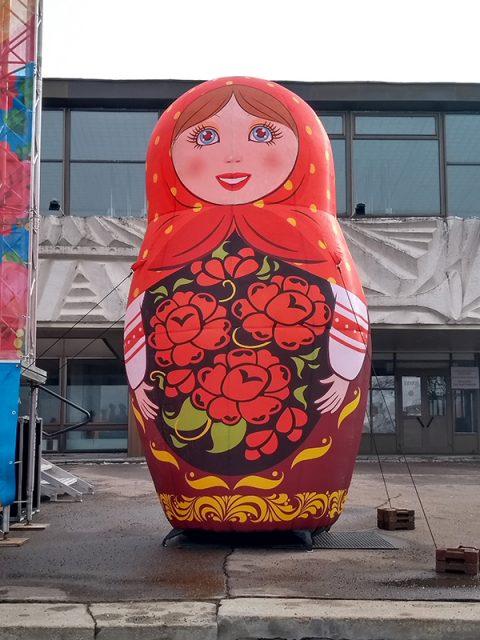 Матрёшка надувная праздничная декорация высотой 3 метра